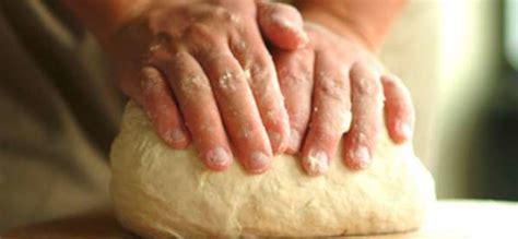 fare pane in casa fare il pane in casa verde azzurro notizie