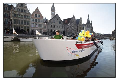 elektrisch bootje gentse toeristische bootjes varen elektrisch gent het