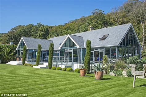 a greenhouse home with links to an infamously amorous
