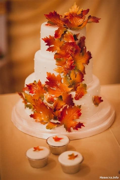fall leaves cake decorations 17 best ideas about fall cakes on peanut
