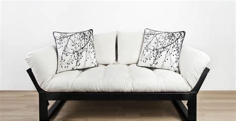cuscini giganti dalani cuscini a pois dettagli giocosi per la tua casa