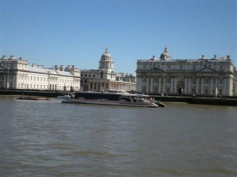 thames river boats tripadvisor beautiful sight along the river thames picture of thames
