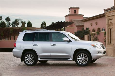 2011 lexus lx 570 photo gallery autoblog