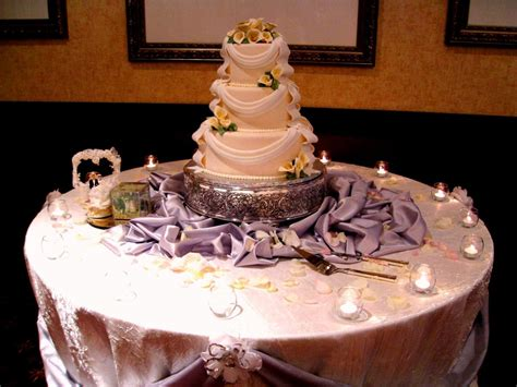 Cake Table Decoration Ideas by Wedding Cake Table Decorations Decoration