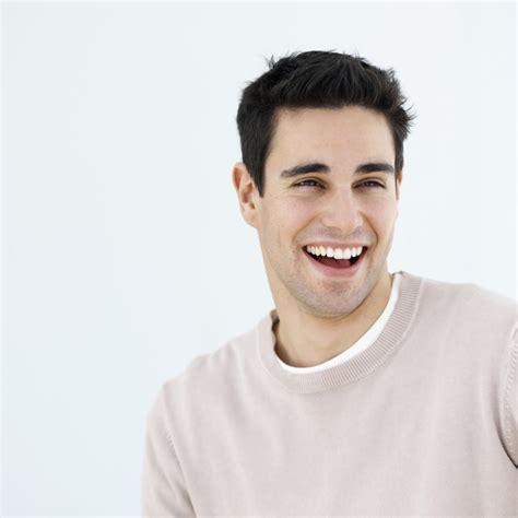 fotos para perfil de jovenes consejos de peinado para hombres con la cara alargada