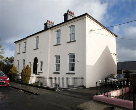 whittaker house advertiser ie first bumper allsop space auction of 2013