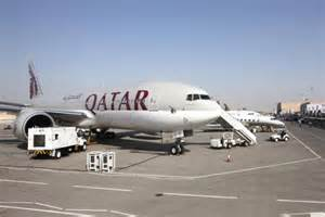 qatar airways  fly  boeing  dreamliner  singapore  doha  st march