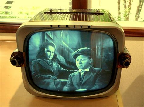 Zenith Model T1816R Television (1955)