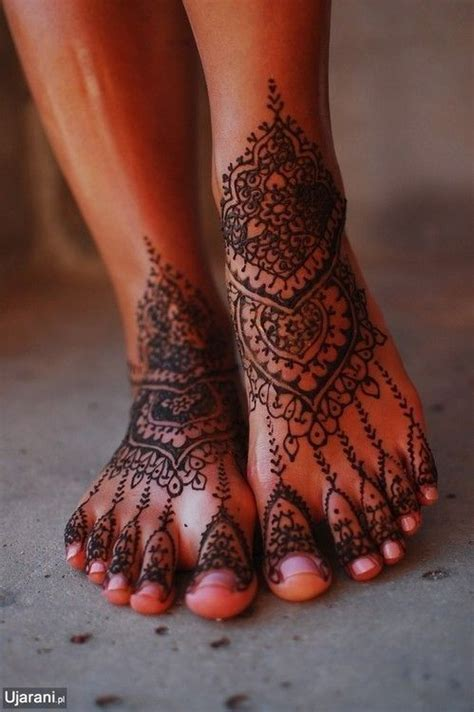 henna tattoos what do they mean fashion and tattoos do they really mix http