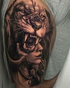 las curiosidades ocultas sobre los tatuajes del rey de la