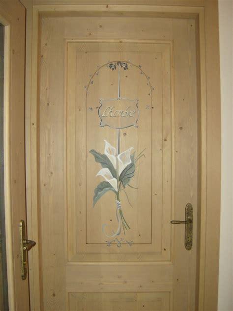 decorare porta la porta in legno finestre d epoca