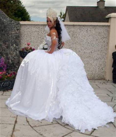 wedding dress with theme royal