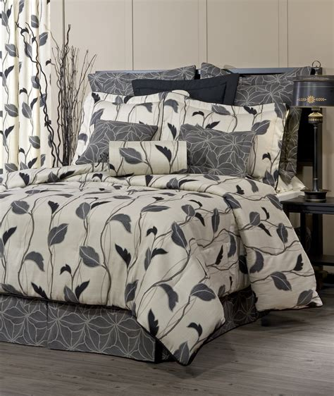 yvette eclipse comforter set by thomasville