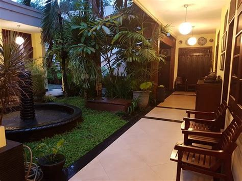 Harga Fendi S Guest House Malang fendi s guest house malang indonesia review guest