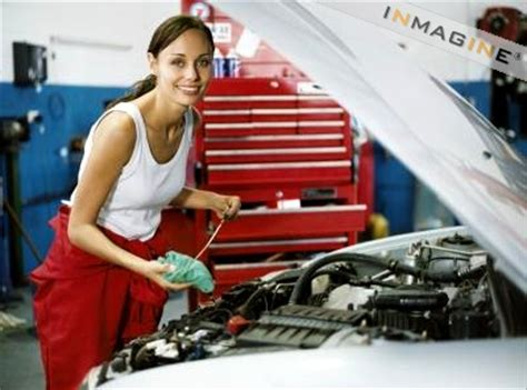 Garages Looking For Apprentices by Beat The Challenge Of An Auto Mechanic Apprenticeship