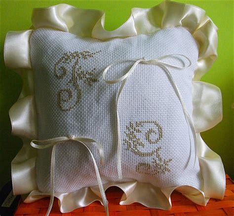 cuscino fedi punto croce cuscino fedi ricamato cuscinetto portafedi puntocroce