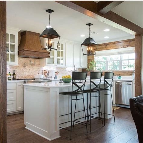 25  best ideas about Joanna gaines kitchen on Pinterest