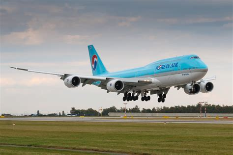 who flies 747 8 korean air to fly jets to