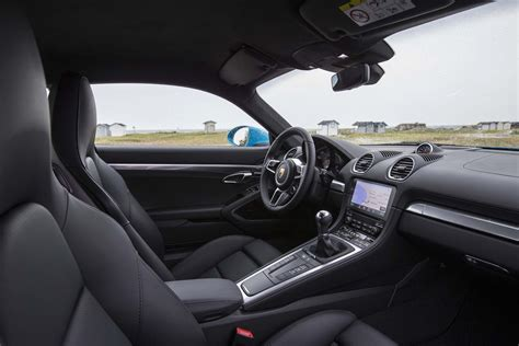 porsche cayman interior 2017 2017 porsche 718 cayman s interior view automobile magazine