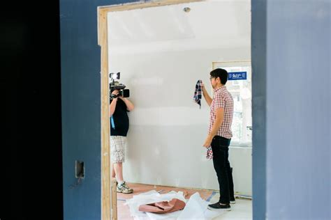 testing interior paint colors at hgtv oasis 2015