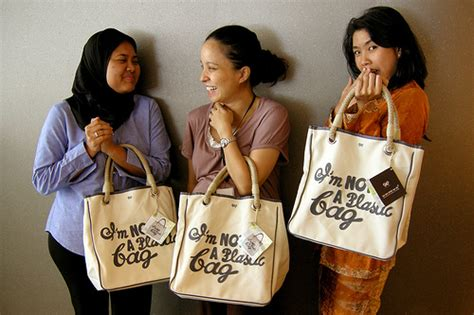 Guess Who Uses The Anya Hindmarch Im Not A Plastic Bag by I M Not A Plastic Bag Flickr Photo