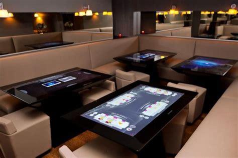 la table tactile s invite dans la restauration technos