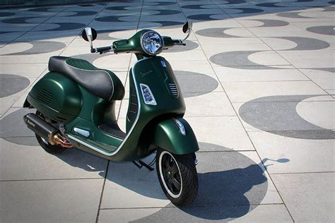 Motorrad Auspuff Lackieren Anleitung by Vespa Tuning Gts 300 Bellezza Verde Roller Tuning