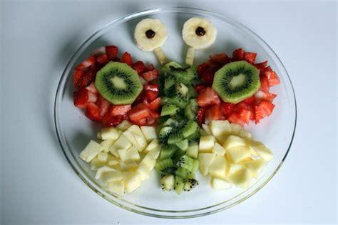 Obst Dekorativ Anrichten by Tiere Aus Obst Oder Gem 252 Se Z B F 252 R Den Kindergeburtstag