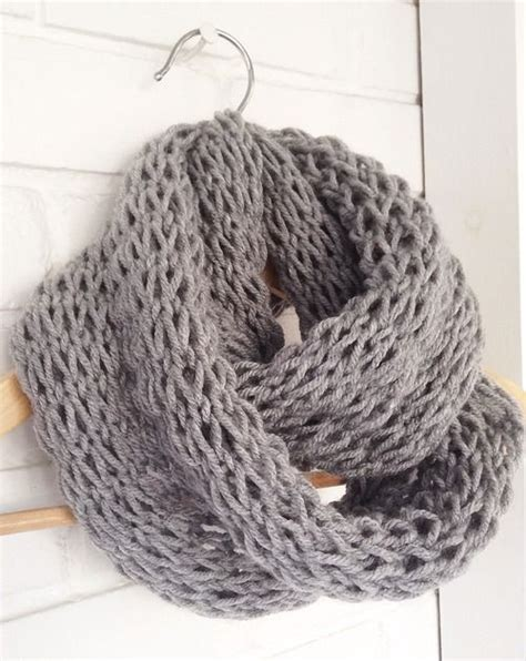 knitting pattern loose scarf devise create concoct diy loose knit infinity scarf