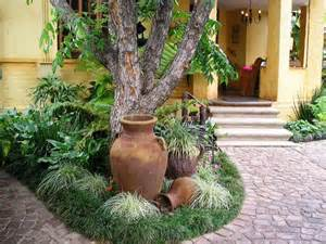 designing your garden focusing on focal points the