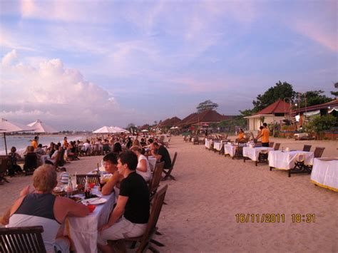 romantic dinner  jimbaran bay kuta restaurant reviews