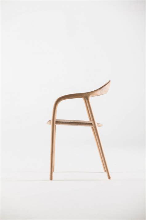 Minimalist Chair Design by Neva Chair Leibal