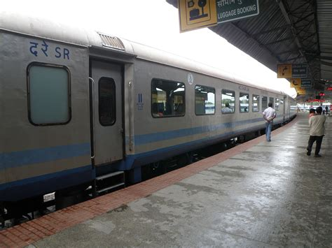 express in superfast mail trains in india