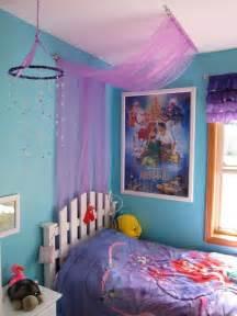 Mermaid themed bedroom easy tulle canopy tutorial little mermaid