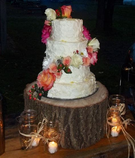 Best 25  Coral country weddings ideas on Pinterest   Navy