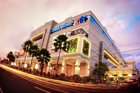 daftar mall  tempat belanja murah  jogja terbaru