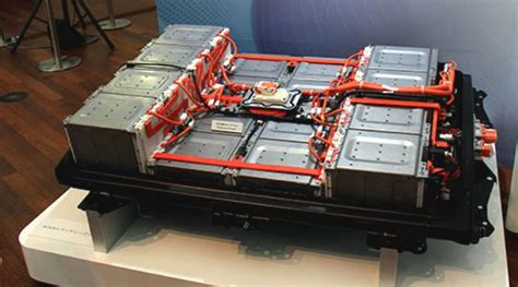 nissan leaf 60 kwh battery 60 kwh battery closeup 2 picture courtesy bertel