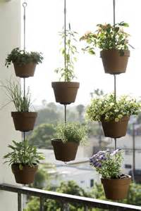 diy hanging plant pot 25 best ideas about hanging flower pots on pinterest hanging flower baskets container