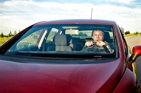 Betrunken Auto Fahren by Betrunkener Autofahren Stock Foto