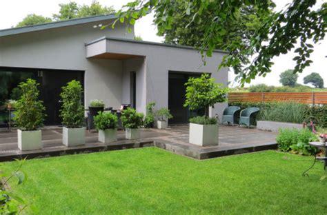 gartengestaltung shop moderne gartendekoration vorgartengestaltung mit steinen