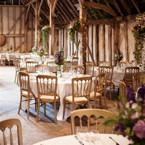 how to pull the rustic wedding theme easy weddings
