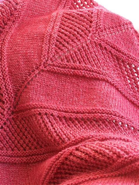 free patterns at ravelry ravelry easy peazy shawl free pattern knitting pinterest