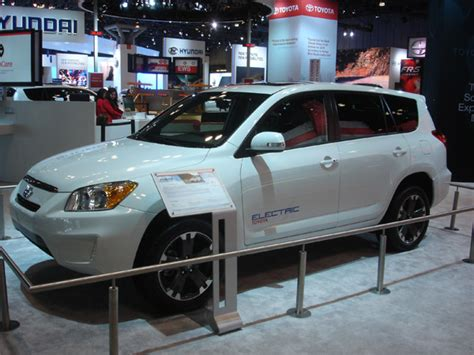 Toyota Tesla Partnership Tesla Motors And Toyota Team Up To Mass Produce Electric
