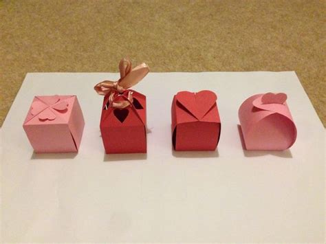 Gift Box Papercraft - no glue valentines boxes