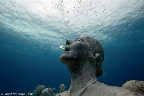underwater living sculptures xcitefunnet