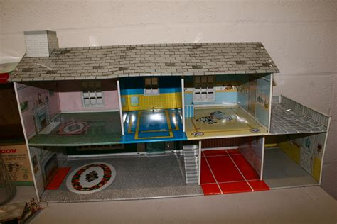 tin doll house possible marx tin doll house two story collectors weekly