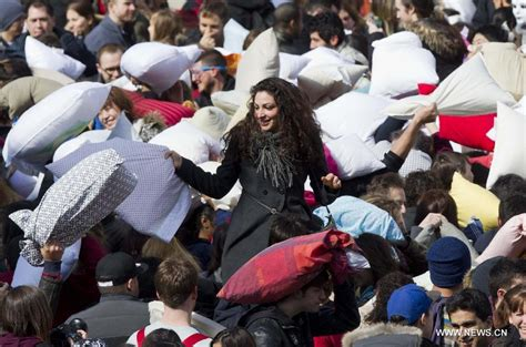 Pillow Fight Toronto by Int L Pillow Fight Day Celebrated Around World Xinhua