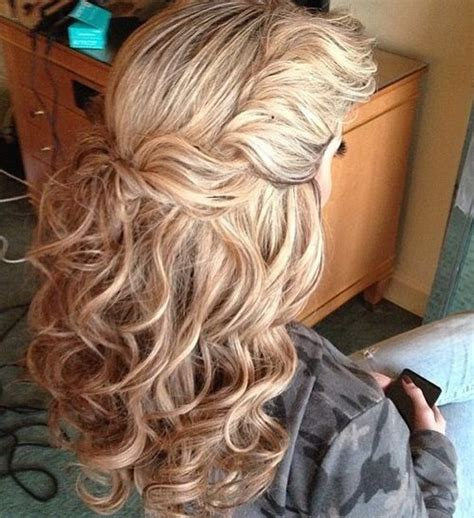 Curly Thick Hairstyles by 50 Most Magnetizing Hairstyles For Thick Wavy Hair