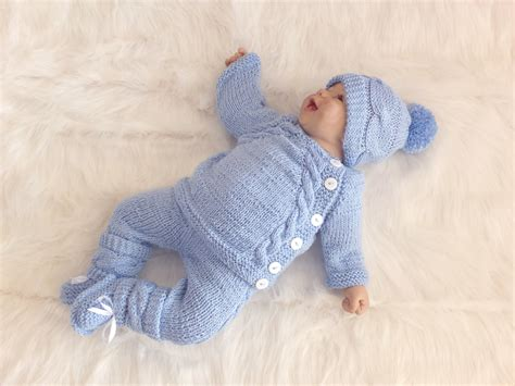 Baby Clothes Handmade - finding your baby the ideal clothes to wear knitted baby