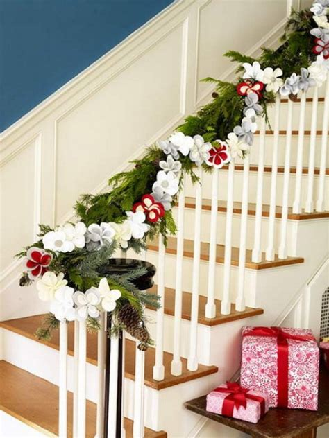 100 awesome christmas stairs decoration ideas digsdigs